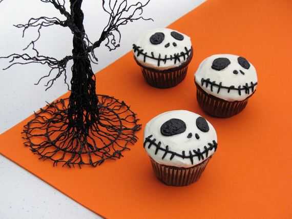 Halloween Cakes, Cookies And Cupcakes To Try And Make On Your Own!