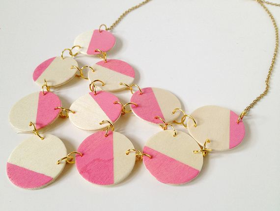 08-Beautifully-Colorful-DIY-Necklaces