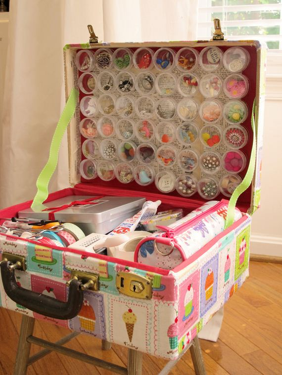 08-Vintage-Suitcases