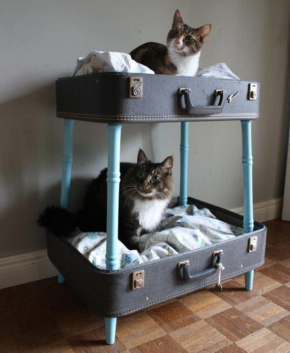 24-Vintage-Suitcases