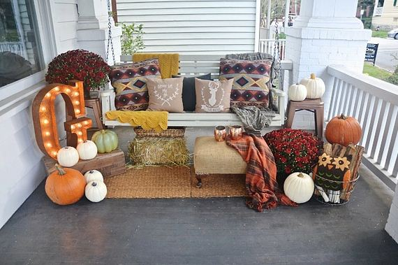 Great Ways to Decorate Your Porch for Fall