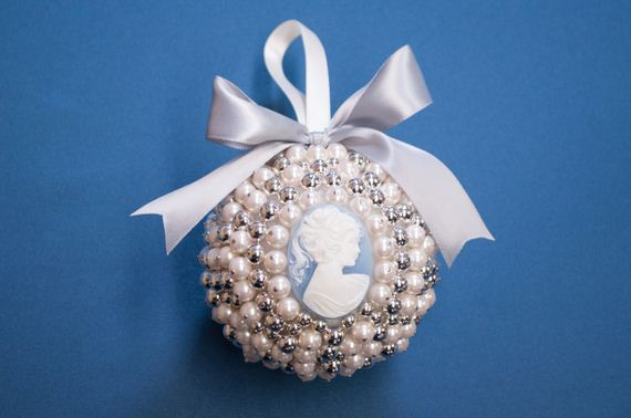 12-Christmas-Ornaments