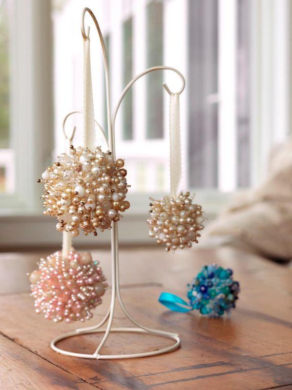 16-Christmas-Ornaments