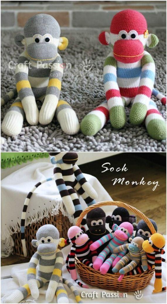 02-Sock-Toys
