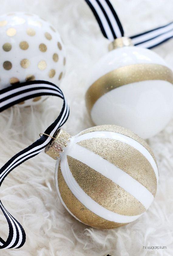 06-Christmas-Ornaments1