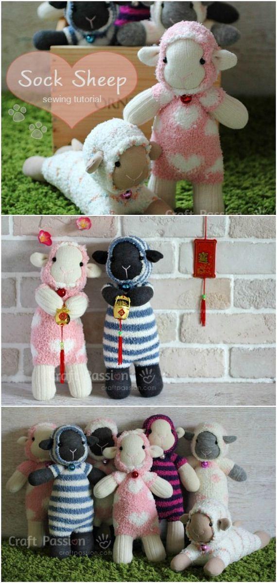 09-Sock-Toys