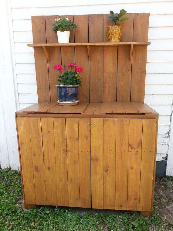 04-Bench-Gardening