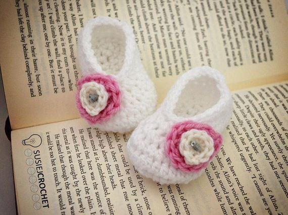 04-diy-free-crochet-baby-booties