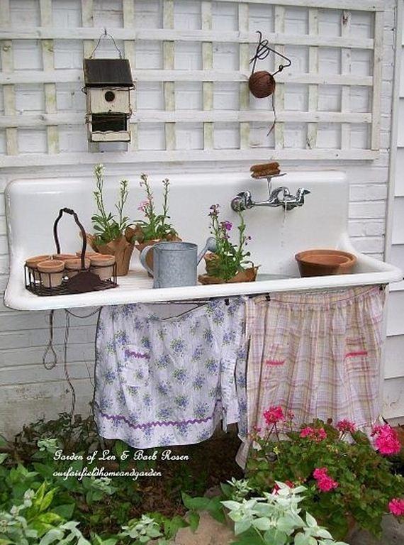 10-Bench-Gardening