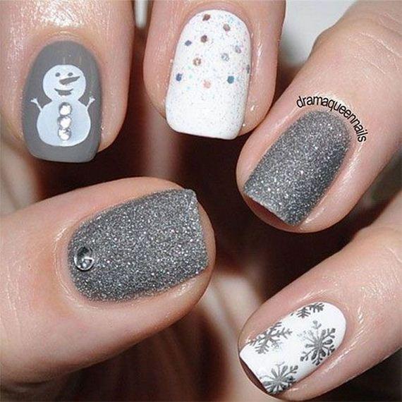 11-diy-winter-inspired-nail-ideas
