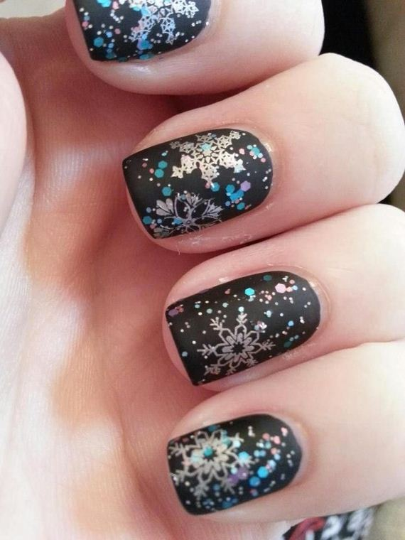 15-diy-winter-inspired-nail-ideas
