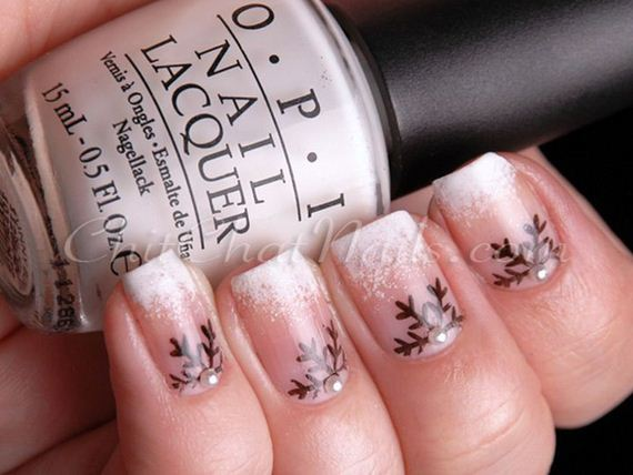17-diy-winter-inspired-nail-ideas