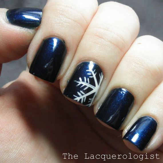 22-diy-winter-inspired-nail-ideas