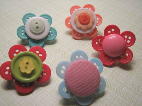 34-DIY-Button-Projects
