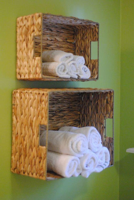 01-DIY-Bathroom-Towel-Storage