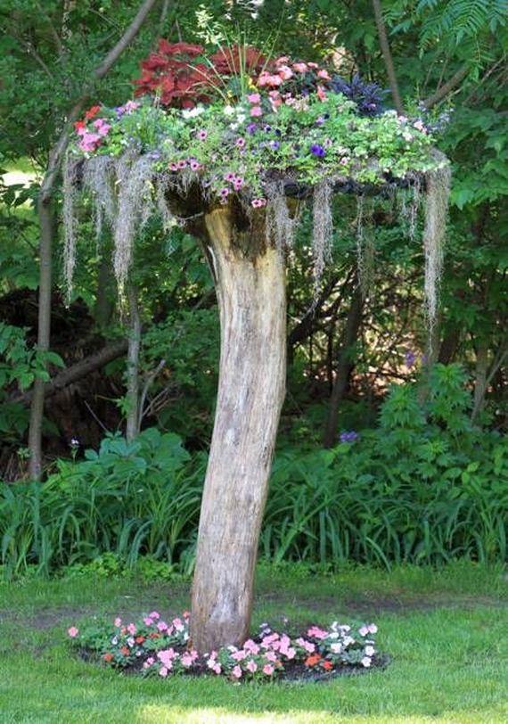 01-DIY-Tree-Stump-Garden