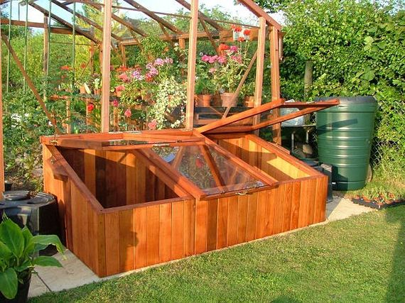 01-Great-DIY-Greenhouse-Projects