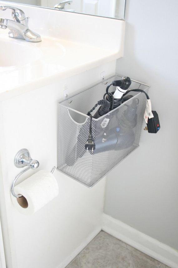 02-DIY-Bathroom-Towel-Storage