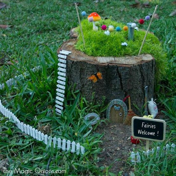 08-DIY-Tree-Stump-Garden