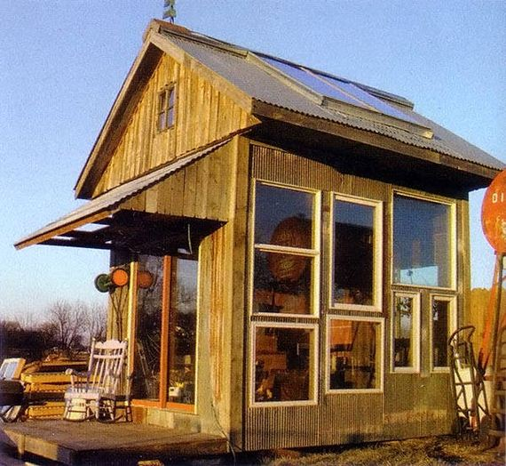 09-Great-DIY-Greenhouse-Projects