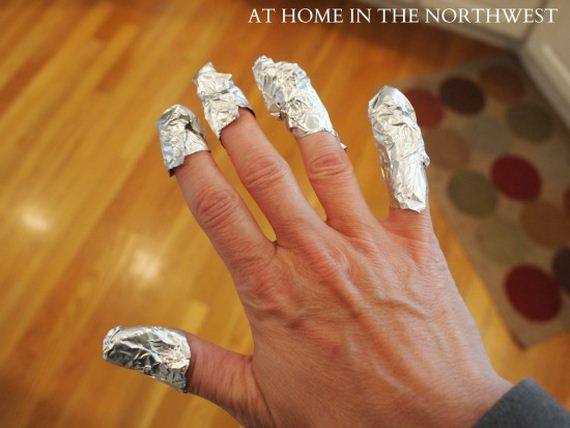 09-Water-Marble-Nails-With-Elmers-Glue