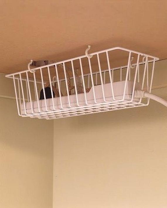 16-DIY-Bathroom-Towel-Storage