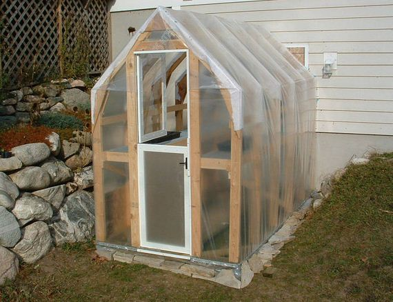 24-Great-DIY-Greenhouse-Projects