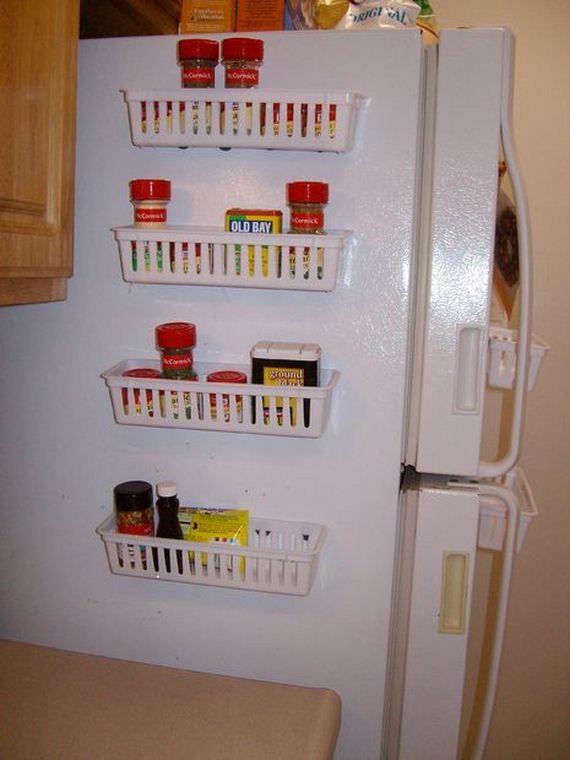 42-DIY-Bathroom-Towel-Storage