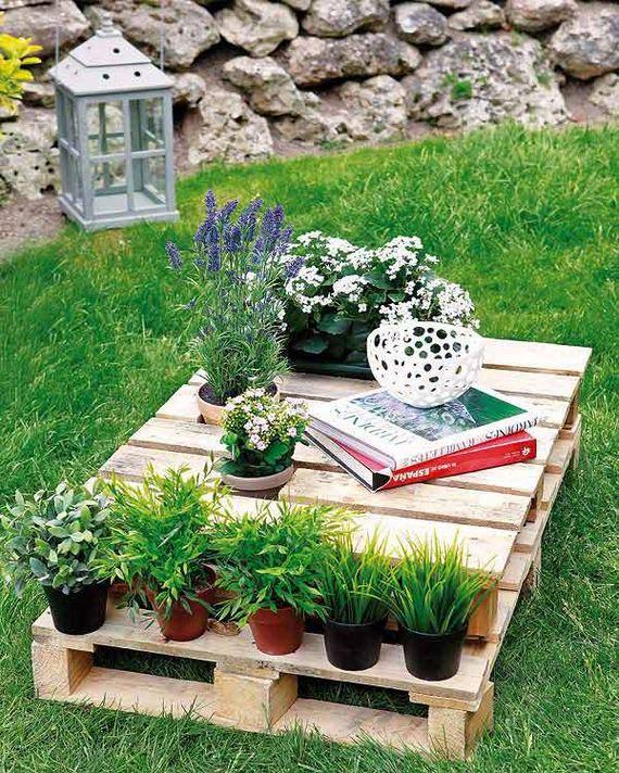 02-Outdoor-Pallet-Furniture-Designs
