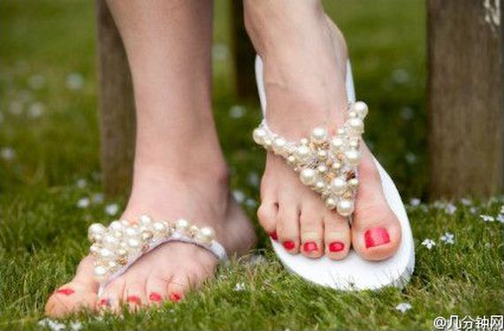 03-sling-flip-flops