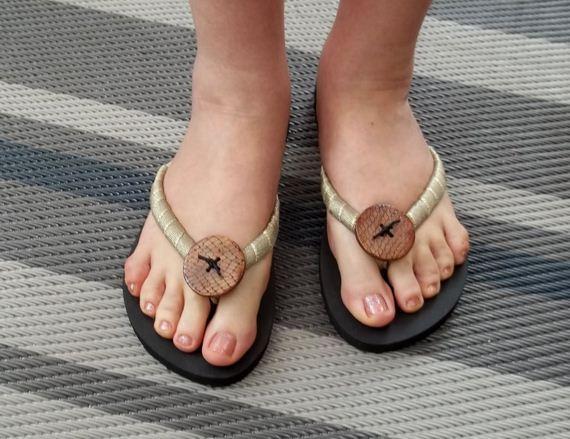 08-sling-flip-flops