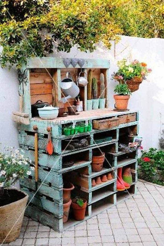 12-Outdoor-Pallet-Furniture-Designs