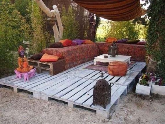13-Outdoor-Pallet-Furniture-Designs