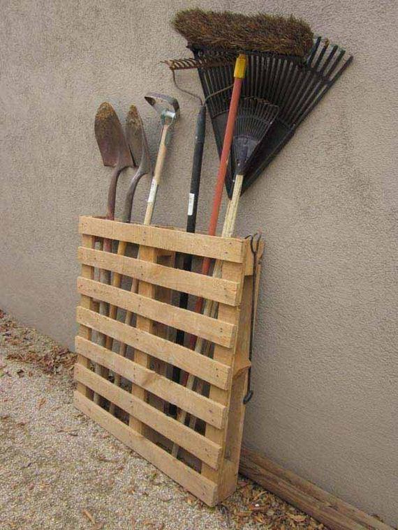 14-Outdoor-Pallet-Furniture-Designs