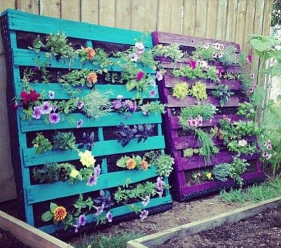 15-Outdoor-Pallet-Furniture-Designs
