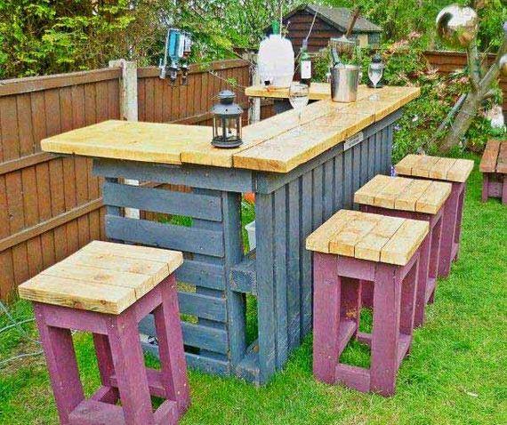 16-Outdoor-Pallet-Furniture-Designs