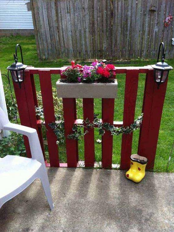 32-Outdoor-Pallet-Furniture-Designs