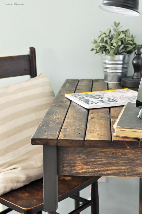 01-diy-farmhouse-desk