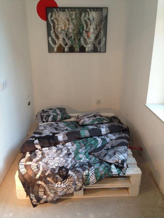 11-Pallet-Bed