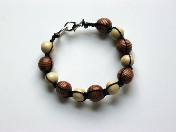 13-Bead-and-hemp-summer-ankle-bracelet