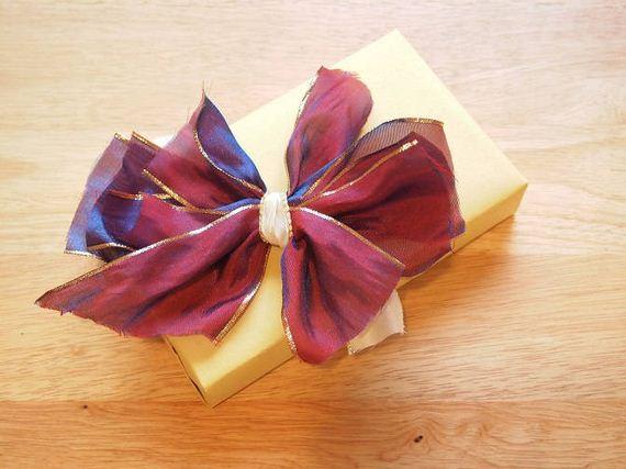 13-diy-gift-bows