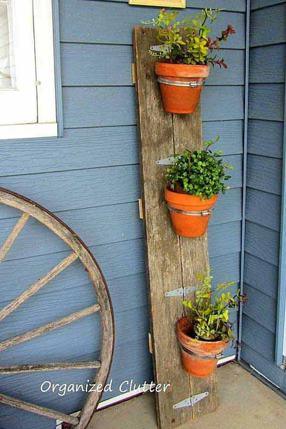 22-Outdoor-Reclaimed-Wood-Projects-Woohome