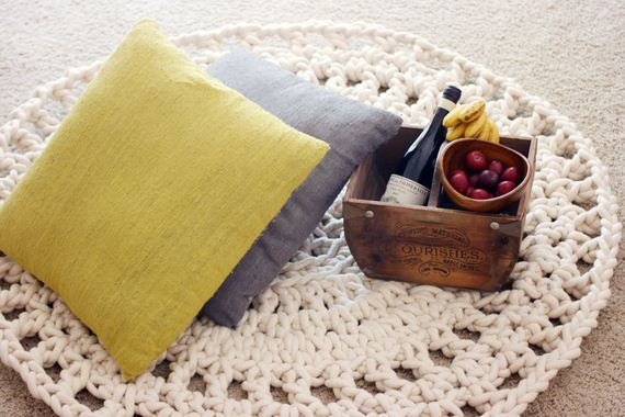01-Awesome-DIY-Rugs-to-Brighten-up-Your-Home
