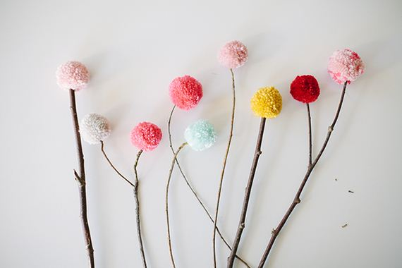 03-Pom-Pom-Decoration