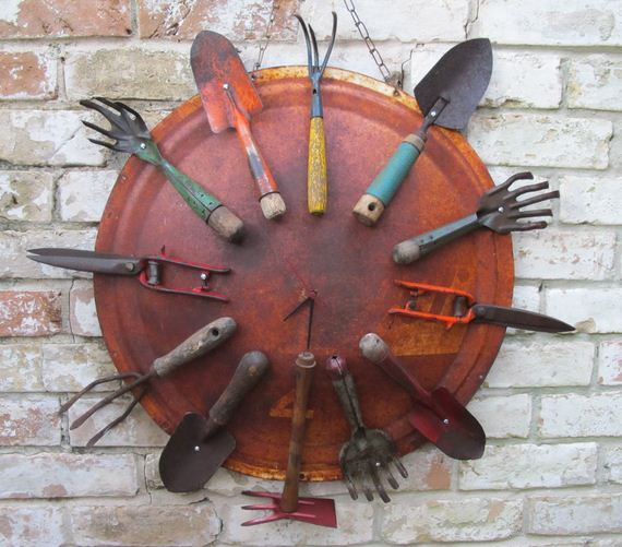 04-Amazing-Ways-to-Repurpose-Old-Garden-Tools
