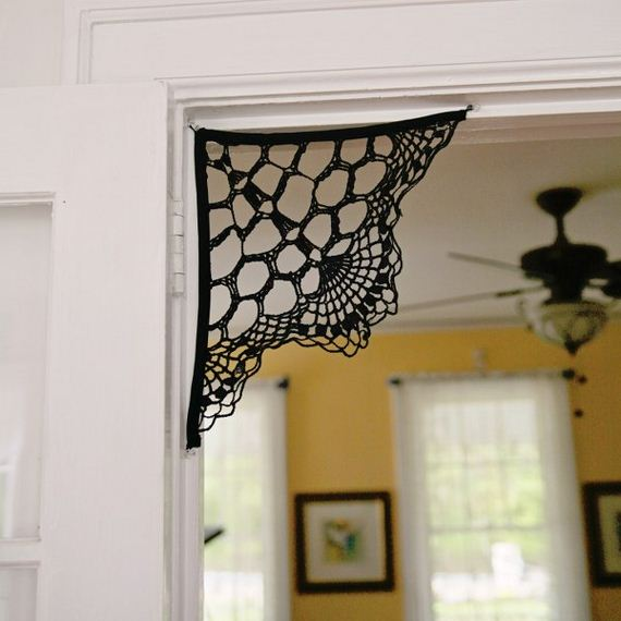 05-Awesome-DIY-Halloween-Decorations