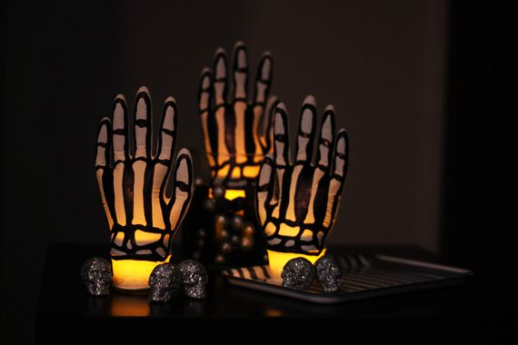 07-Awesome-DIY-Halloween-Decorations