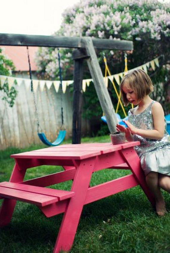 Детский столик на даче своими руками