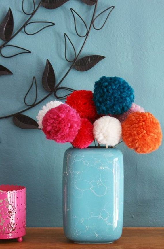 20-Pom-Pom-Decoration