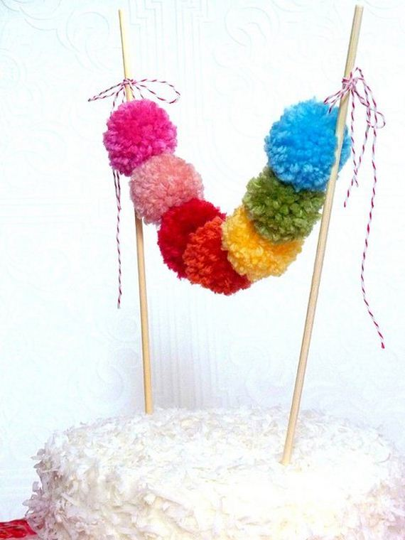 24-Pom-Pom-Decoration